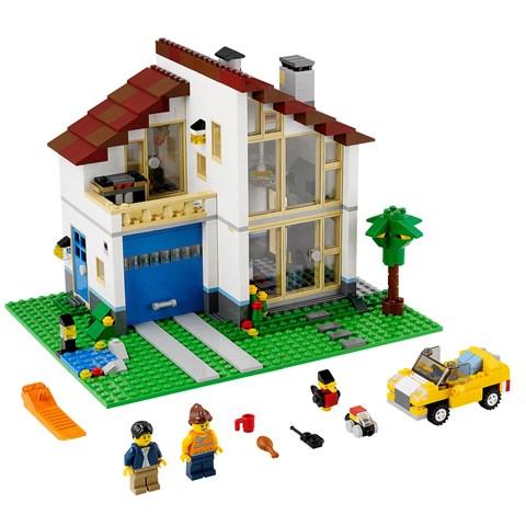 Do choi Lego 31012 Family House xep hinh ngoi nha hanh phuc