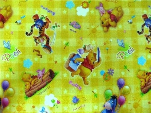 Tham choi cho be mau gau Pooh mau vang 0.8m x 1.2m x 10mm