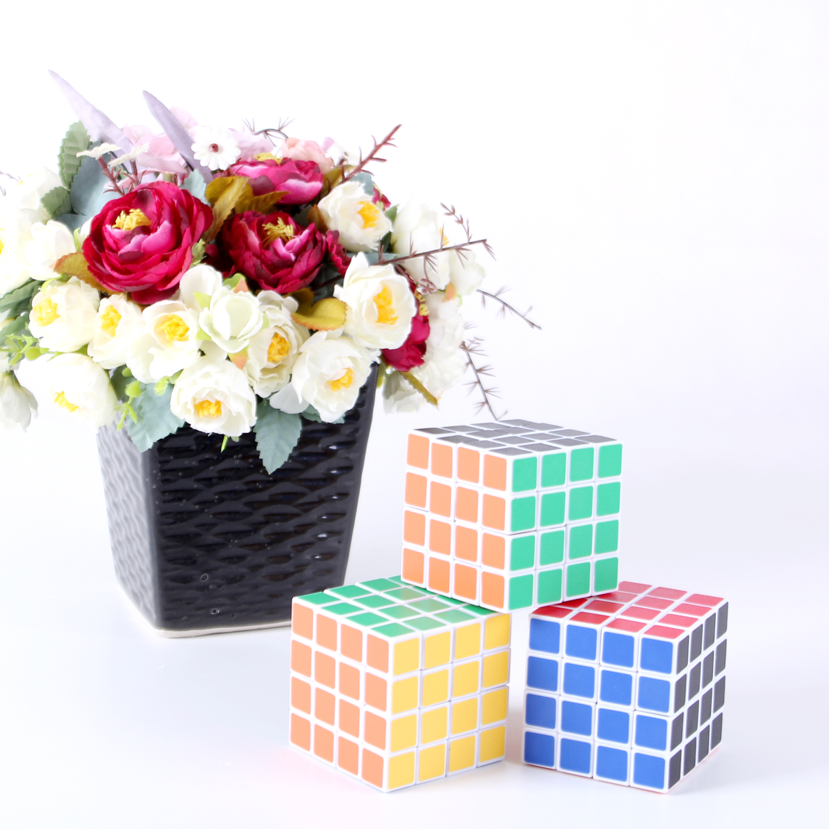 Do choi RUBIK thong thai 4x4x4