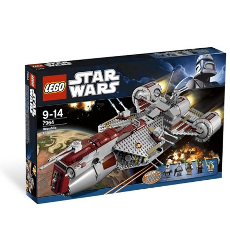 Lego Star Wars 7964 - Phi thuyen chien dau cong hoa