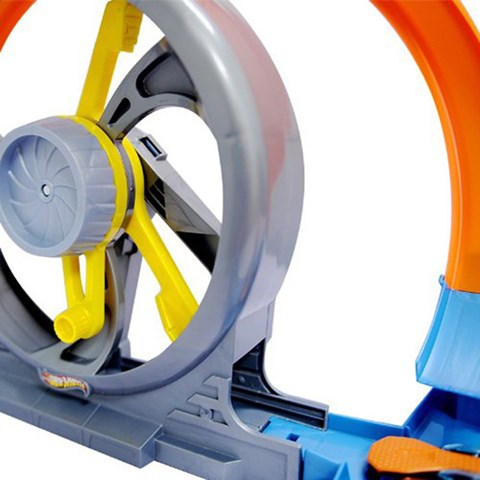 Hot Wheels X9285 - Vong luon cao toc va giao lo tu than